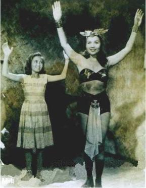 Darna Movie, 1951 Rosa Del Rosario (kanan) sebagai Darna Mila Nimpa (kiri) sebagaiNarda source:comicbookmovie